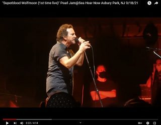 Pearl Jam Play First Concert In Over Three Years